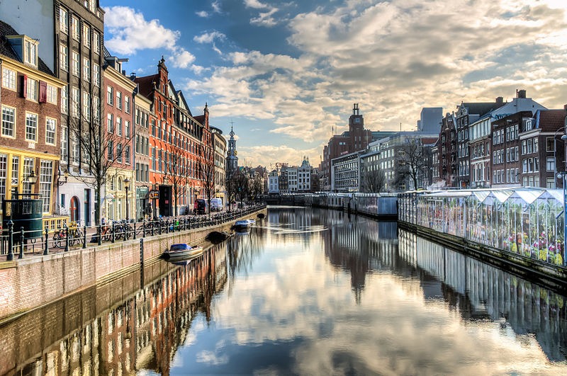 800px-Amsterdam_-_the_Canal_Ring_(8652262148)